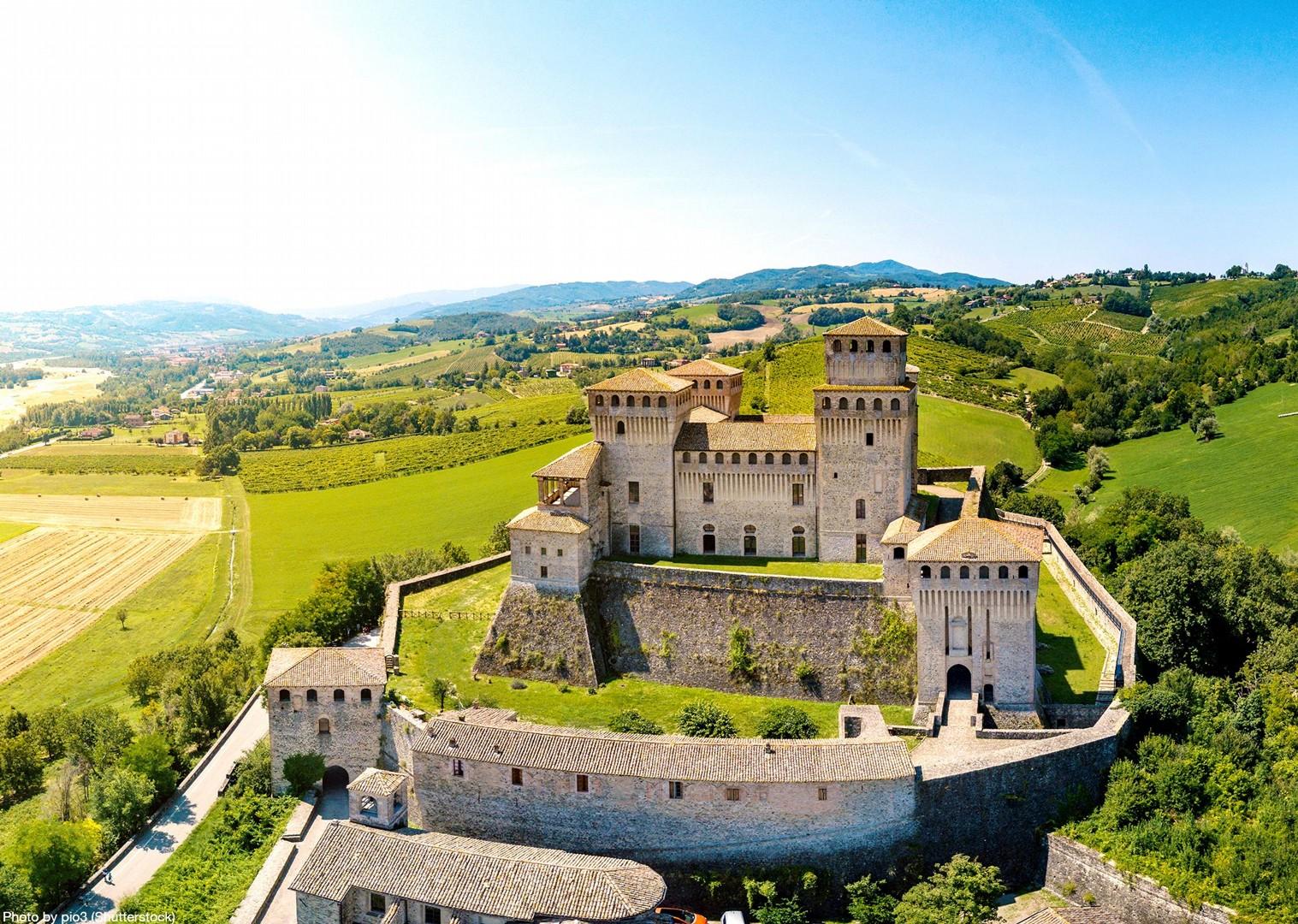 torrechiara-castle-italy-parma-self-guided-leisure-cycling-holiday.jpg - Italy - Emilia Romagna - Self-Guided Leisure Cycling Holiday - Leisure Cycling