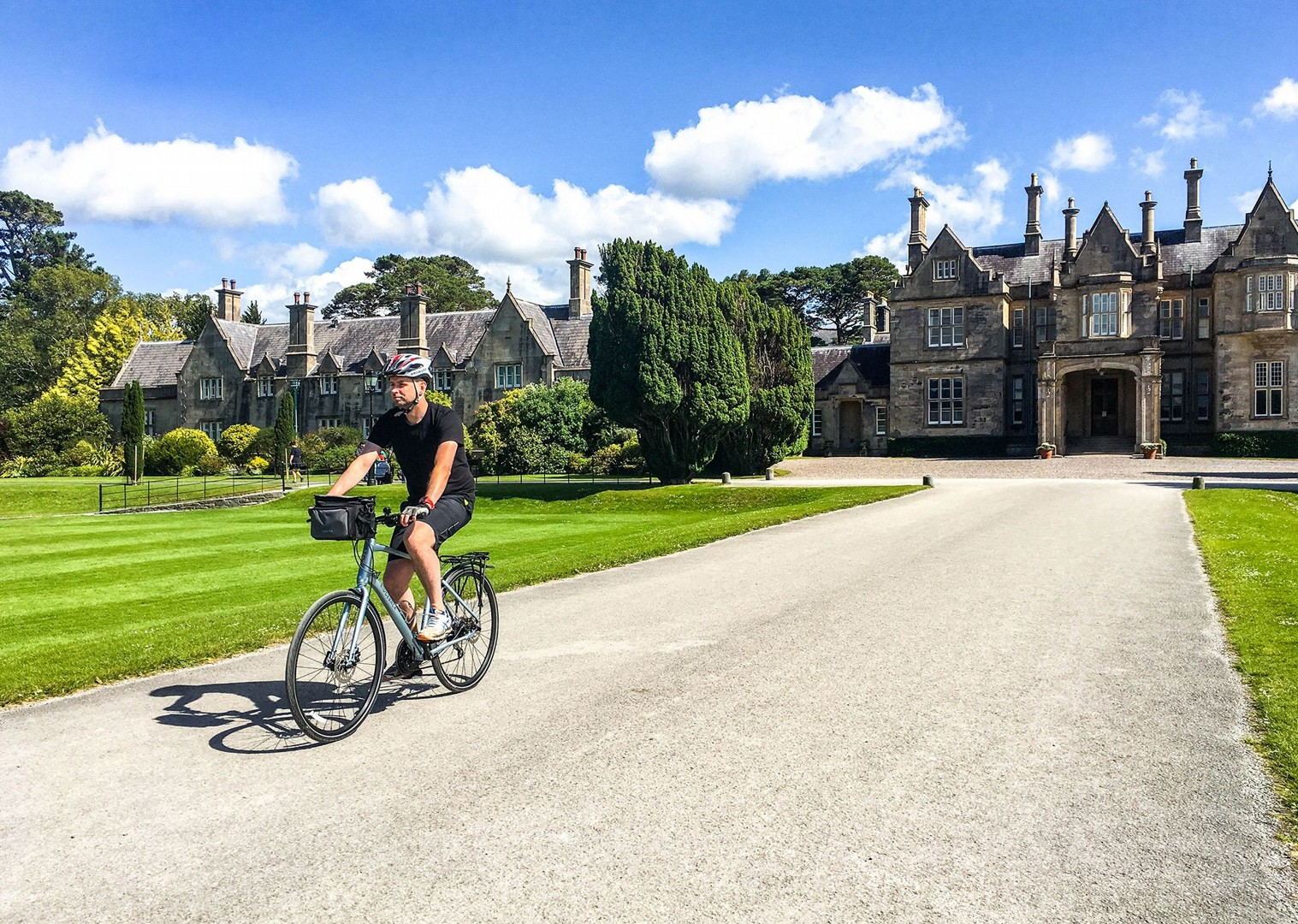 muckross-house-leisure-cycling-in-ireland-self-guided-holiday.jpg - Ireland - Highlights of Kerry - Self-Guided Leisure Cycling Holiday - Leisure Cycling