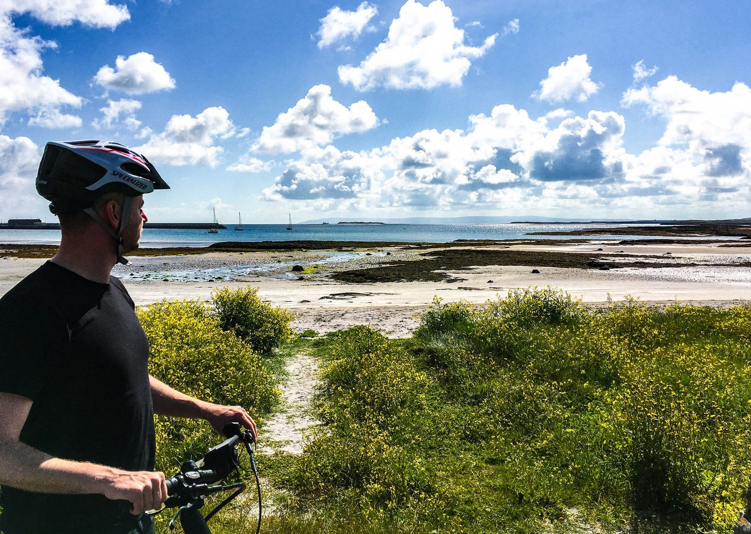 saddle-skedaddle-irish-cycling-holiday-leisure-riding-self-guided-ireland.jpg - NEW! Ireland - Connemara and the Aran Isles - Leisure Cycling