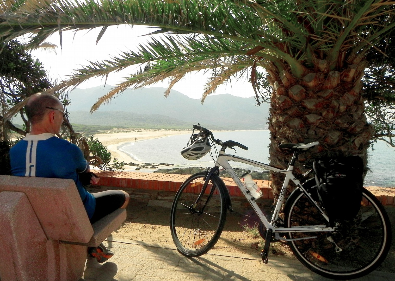 coastal-views-rest-stop-island-cycling-holiday.jpg - Italy - Sardinia - Island Flavours - Self-Guided Leisure Cycling Holiday - Leisure Cycling