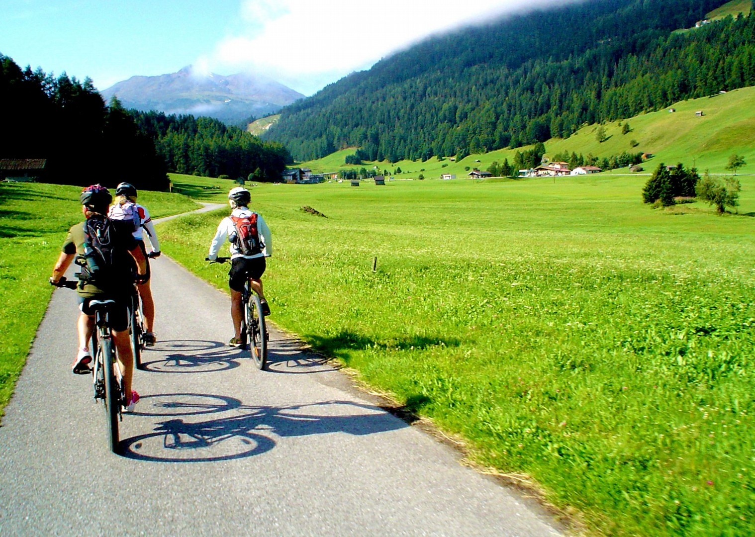 explore-austria-italy-guided-leisure-cycling.jpg - Austria and Italy - La Via Claudia - Guided Leisure Cycling Holiday - Leisure Cycling