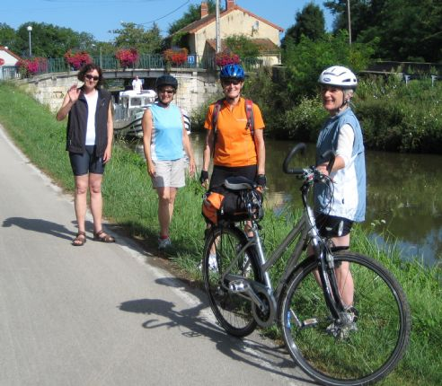 Skedaddle Cycling Holiday France Vintage Burgundy 16.jpg - France - Vintage Burgundy - Self-Guided Leisure Cycling Holiday - Leisure Cycling