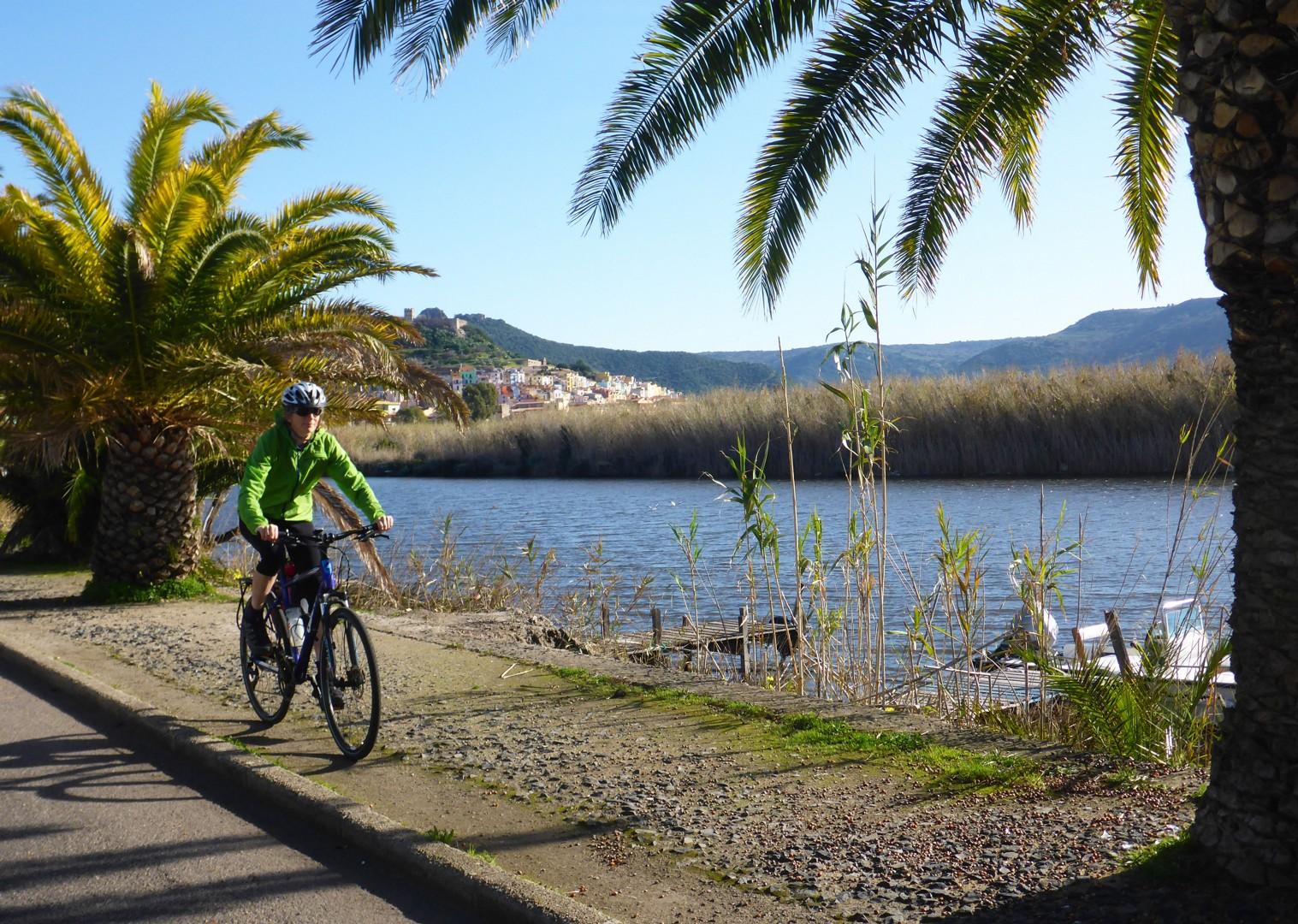 marmilla-to-barumini-sardinia-leisure-cycling-holiday.jpg - Italy - Sardinia - West Coast Wonders - Self-Guided Leisure Cycling Holiday - Leisure Cycling