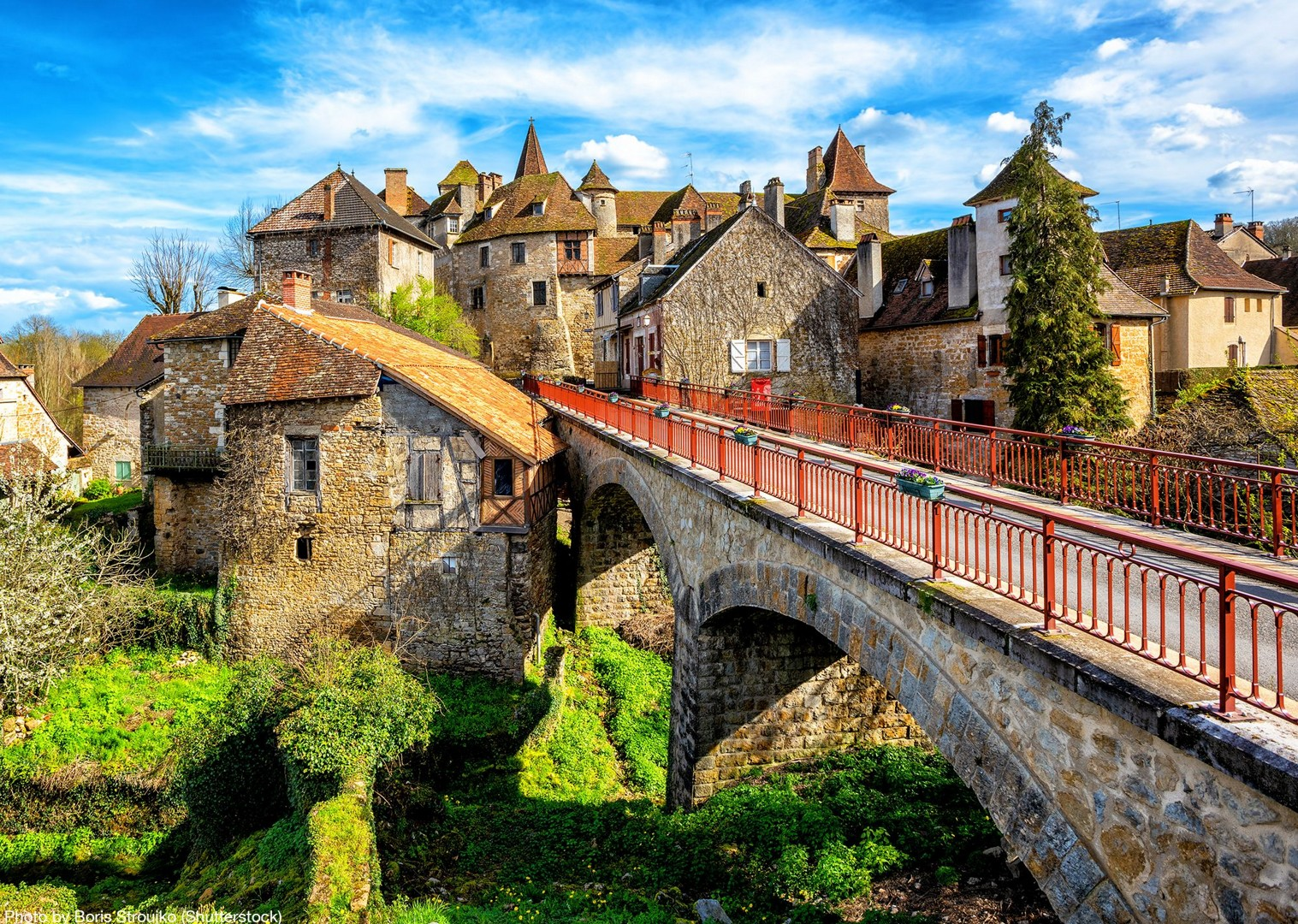 shutterstock_1099094003.jpg - France - Dordogne - Caves and Castles - Self-Guided Leisure Cycling Holiday - Leisure Cycling