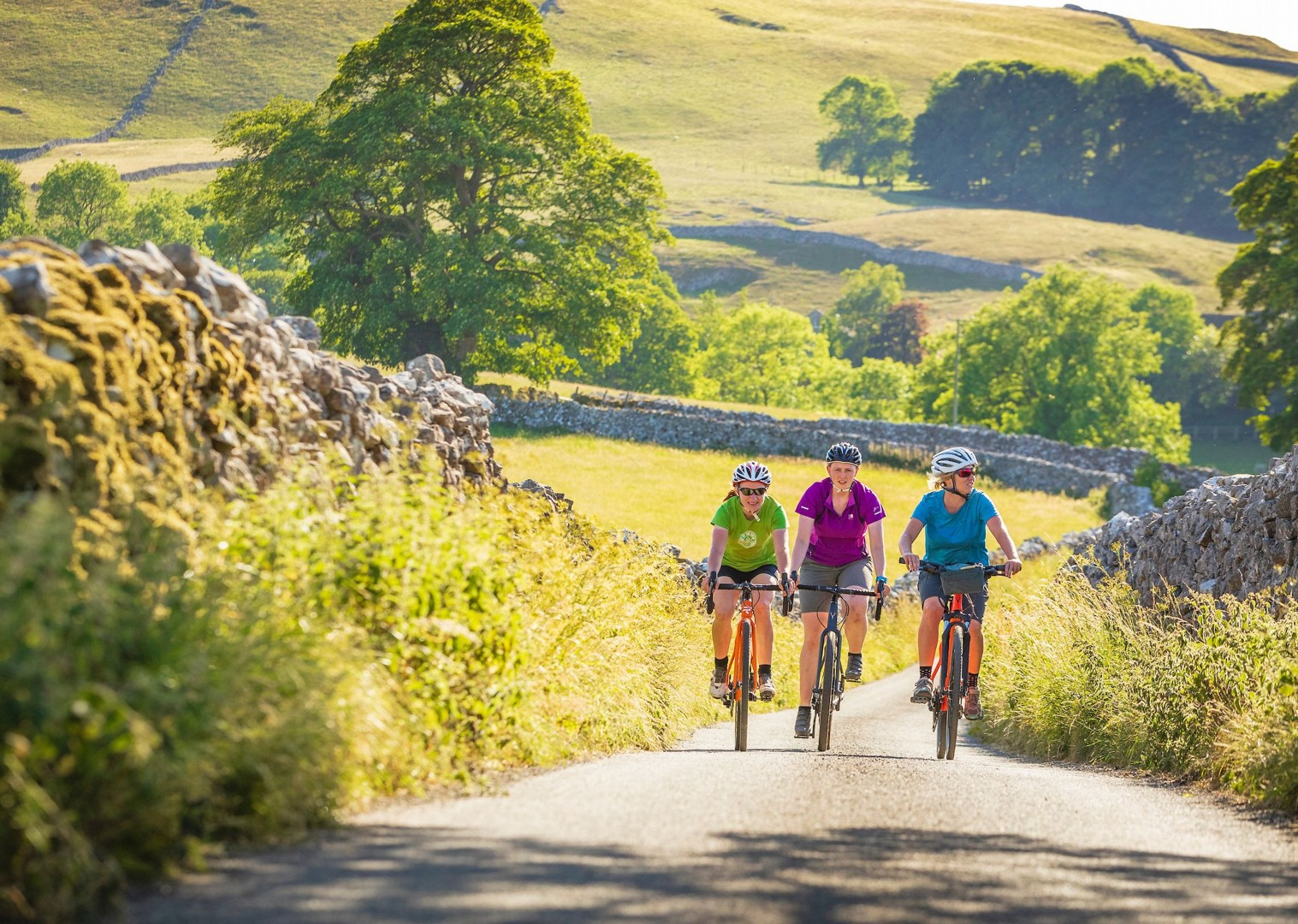 supported-leisure-cycling-in-yorkshire-uk-countryside.jpg - UK - Way of the Roses - Supported Leisure Cycling Holiday - Leisure Cycling