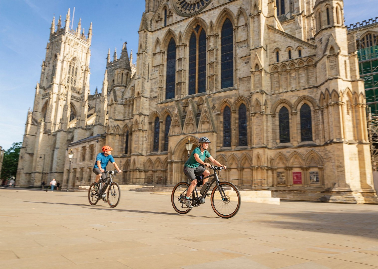 york-minster-saddle-skedaddle-cycling-holiday.jpg - UK - Way of the Roses - Supported Leisure Cycling Holiday - Leisure Cycling