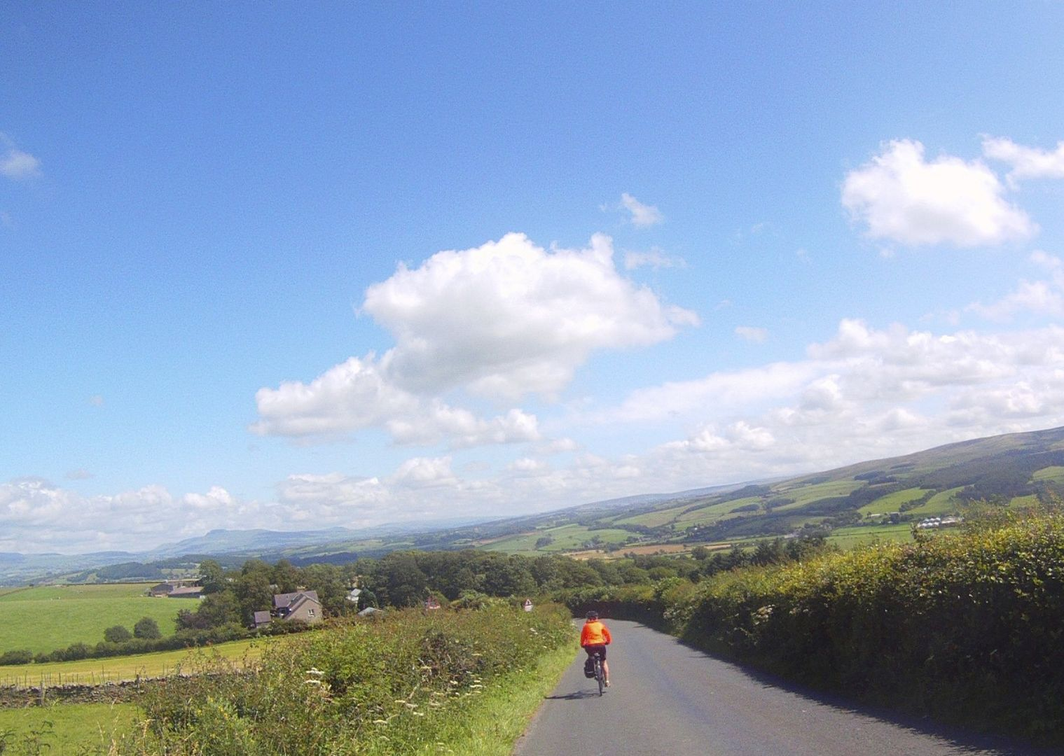 _Customer.32395.6518.jpg - UK - Way of the Roses - Supported Leisure Cycling Holiday - Leisure Cycling