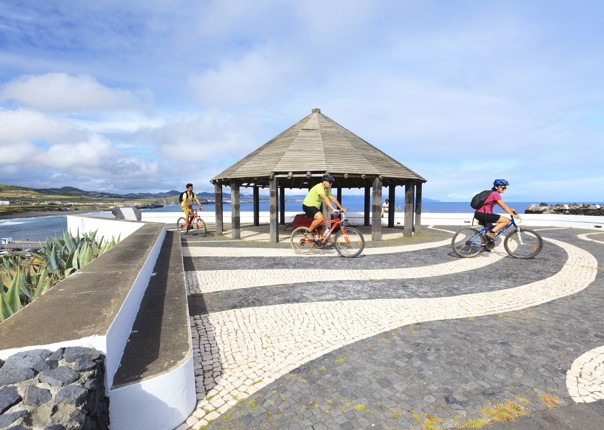 azores-guided-cycling-holiday.jpg - The Azores - Islands and Volcanoes - Guided Leisure Cycling Holiday - Leisure Cycling