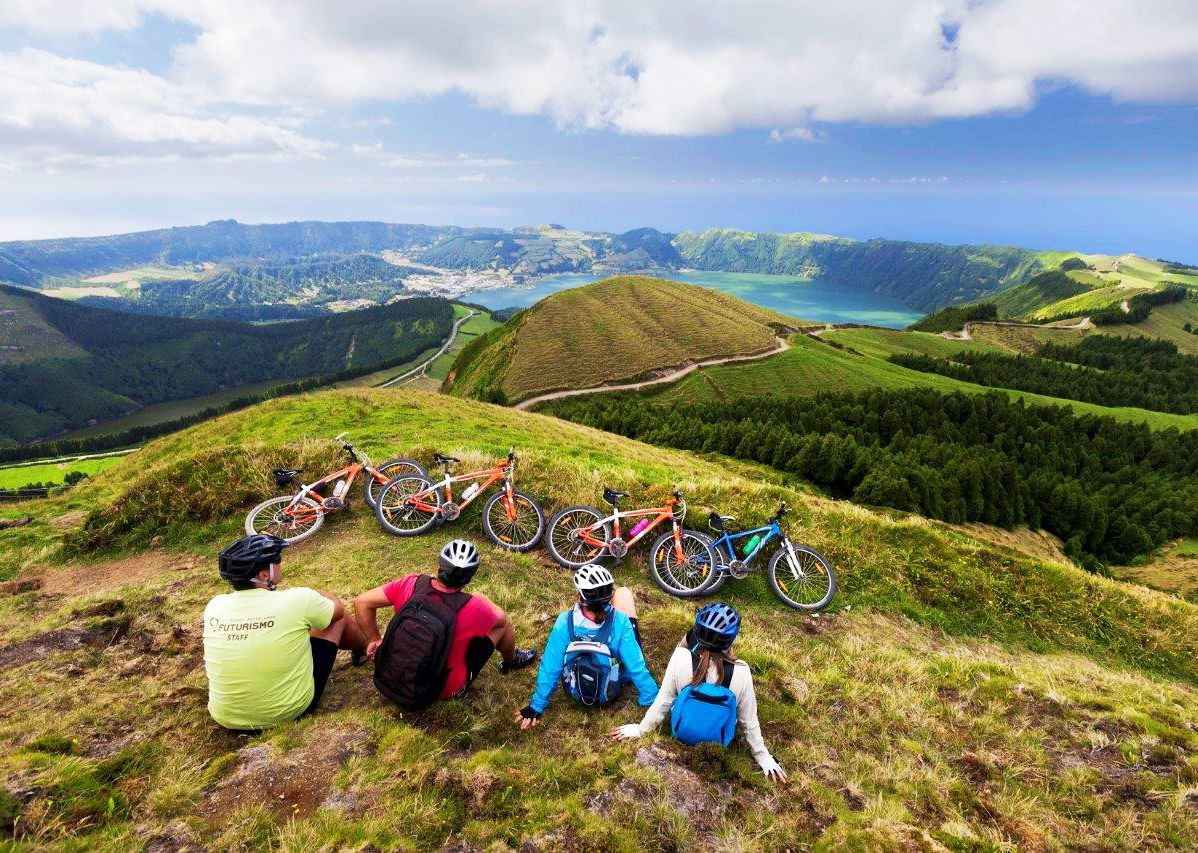 tronqueria-forests-cycling-trip-azores.jpg - The Azores - Islands and Volcanoes - Guided Leisure Cycling Holiday - Leisure Cycling