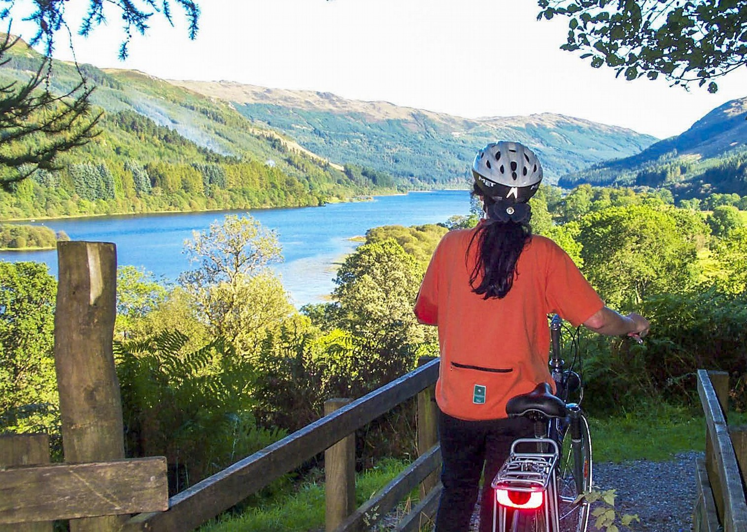 female-cycling-scotland-uk-tour-saddle-skedaddle-self-guided-river-clyde.jpg - UK - Scotland - Lochs and Glens - Self-Guided Leisure Cycling Holiday - Leisure Cycling