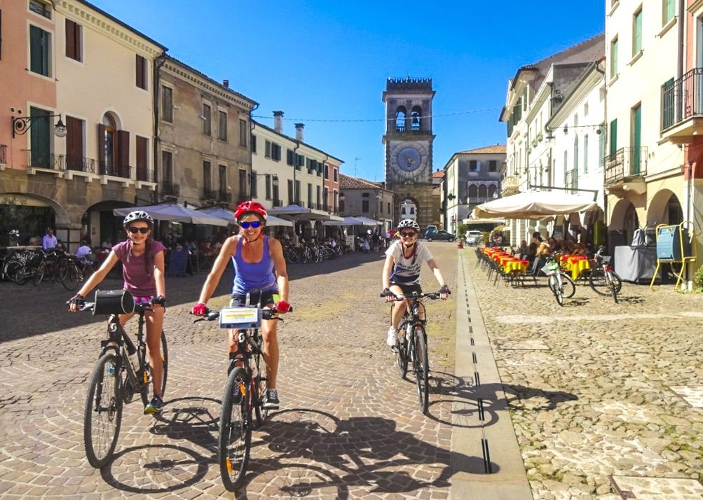 happy-cycling-fun-self-guided-traditional-italian-city.jpg - Italy - Lake Garda to Venice - Self-Guided Leisure Cycling Holiday - Leisure Cycling