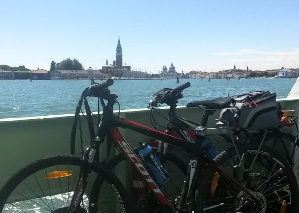 lakegarda.jpg - Italy - Lake Garda to Venice - Self-Guided Leisure Cycling Holiday - Leisure Cycling