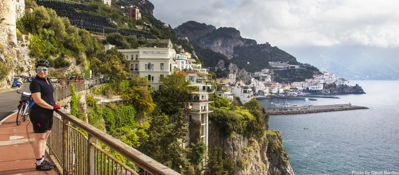 Cycle along the spectacular Amalfi Coast and explore the scenic roads of Cilento. Grand views of the Mediterranean will accompany you at all times on this holiday full of history, culture and spectacular scenery.