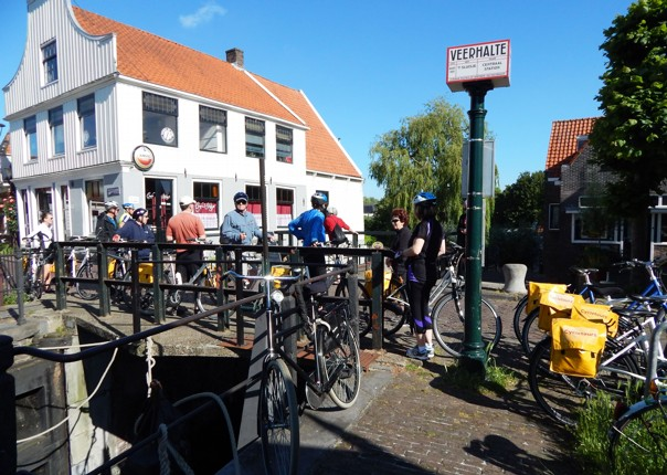 zwanenwater-cycling-holiday-in-holland-bike-and-barge-holiday.jpg - Holland - Windmills and Golden Beaches - Bike and Barge Holiday - Leisure Cycling