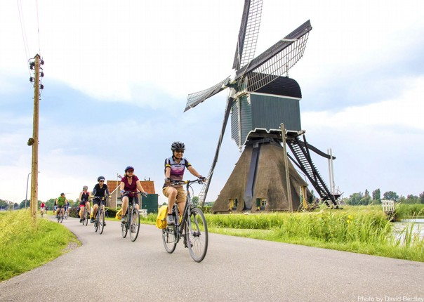 classic-holland-windmills-through-guided-cycle-tours.jpg