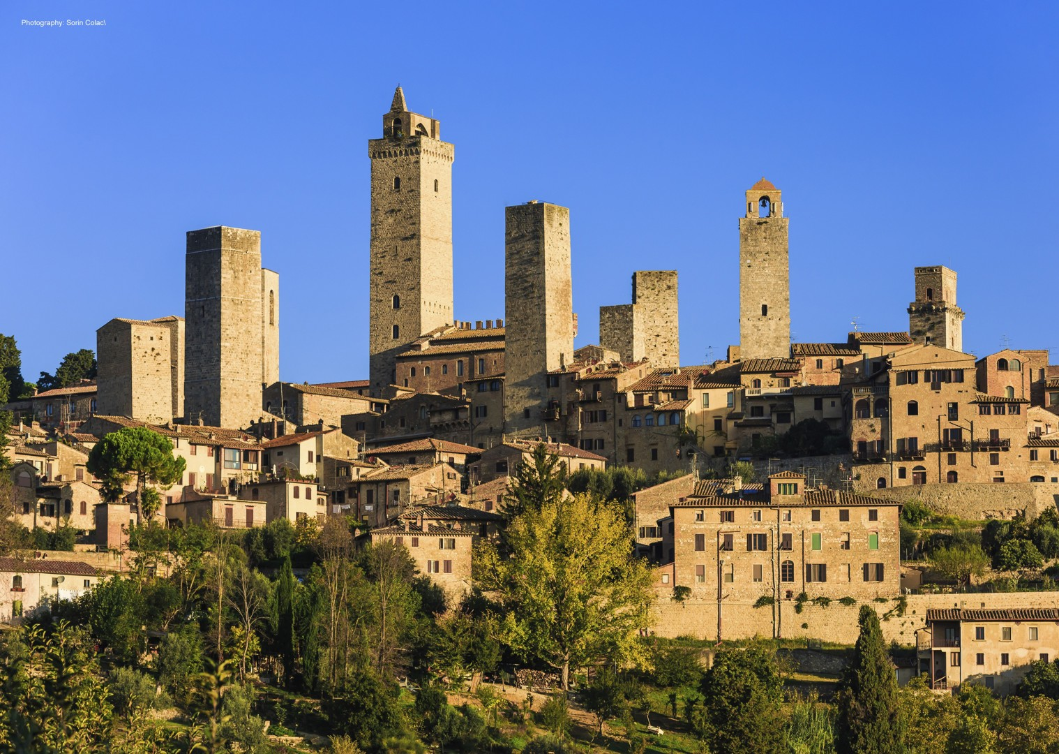 leisure-cycling-holiday-tuscany-sangimignano.jpg - Italy - A Taste of Tuscany - Guided Leisure Cycling Holiday - Leisure Cycling