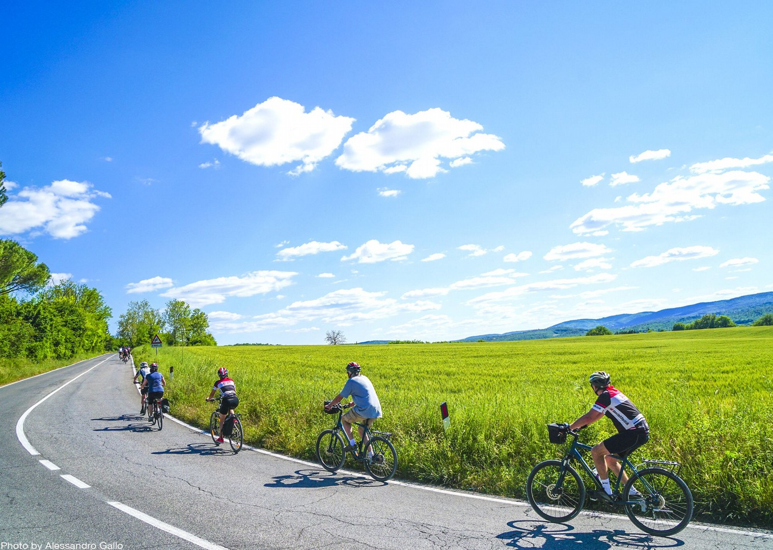sunny-days-beautiful-region-italy-nature-cycle-guided-holiday.jpg - Italy - A Taste of Tuscany - Leisure Cycling