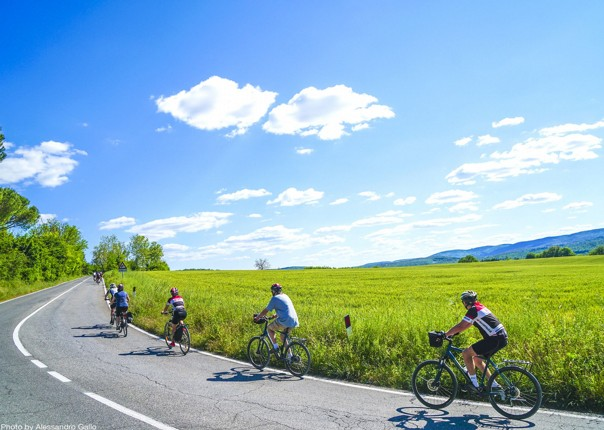 sunny-days-beautiful-region-italy-nature-cycle-guided-holiday.jpg