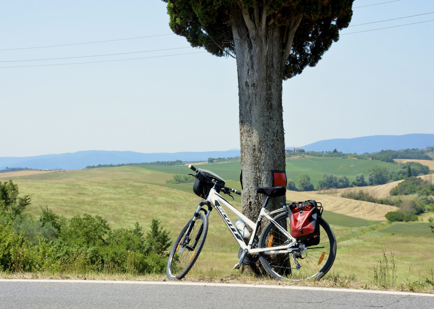 tuscany-bicycle-landscape.jpg - Italy - Classic Tuscany - Self-Guided Leisure Cycling Holiday - Leisure Cycling