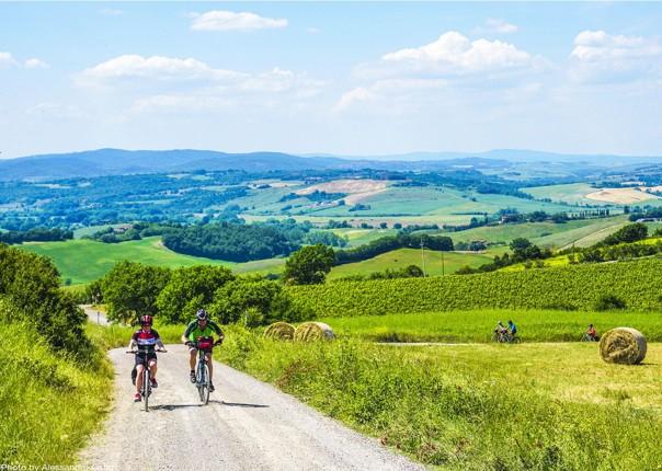 traditional-italian-farms-explore-holiday-bike-tour.jpg