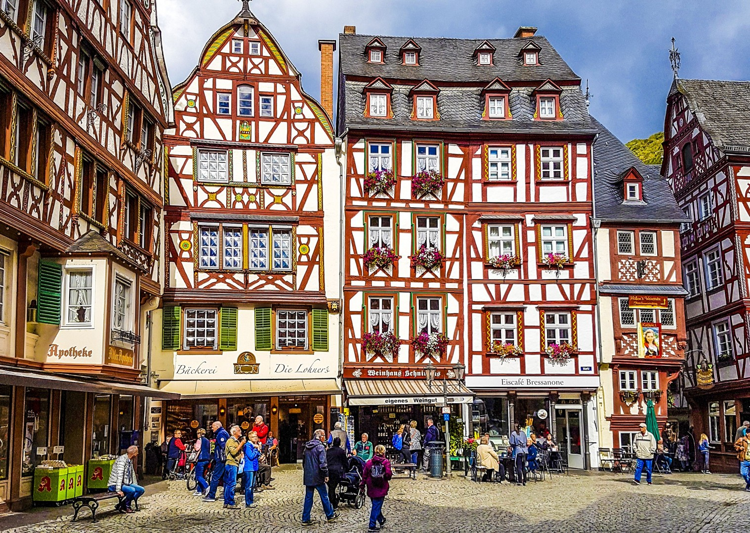 bernkastel-kues-germany-culture-history-cycling-holiday-tour.jpg - Germany - Moselle Valley - Self-Guided Leisure Cycling Holiday - Leisure Cycling