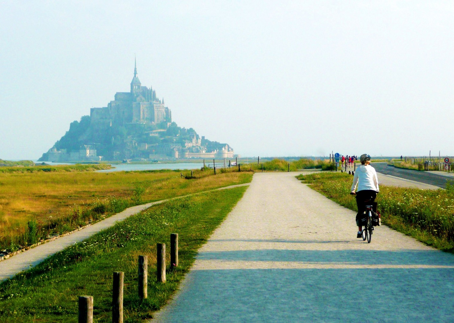 leisure-holiday-mont-st-michel-cycling-stunning-skedaddle-france-brittany.jpg - France - Brittany - Self-Guided Leisure Cycling Holiday - Leisure Cycling