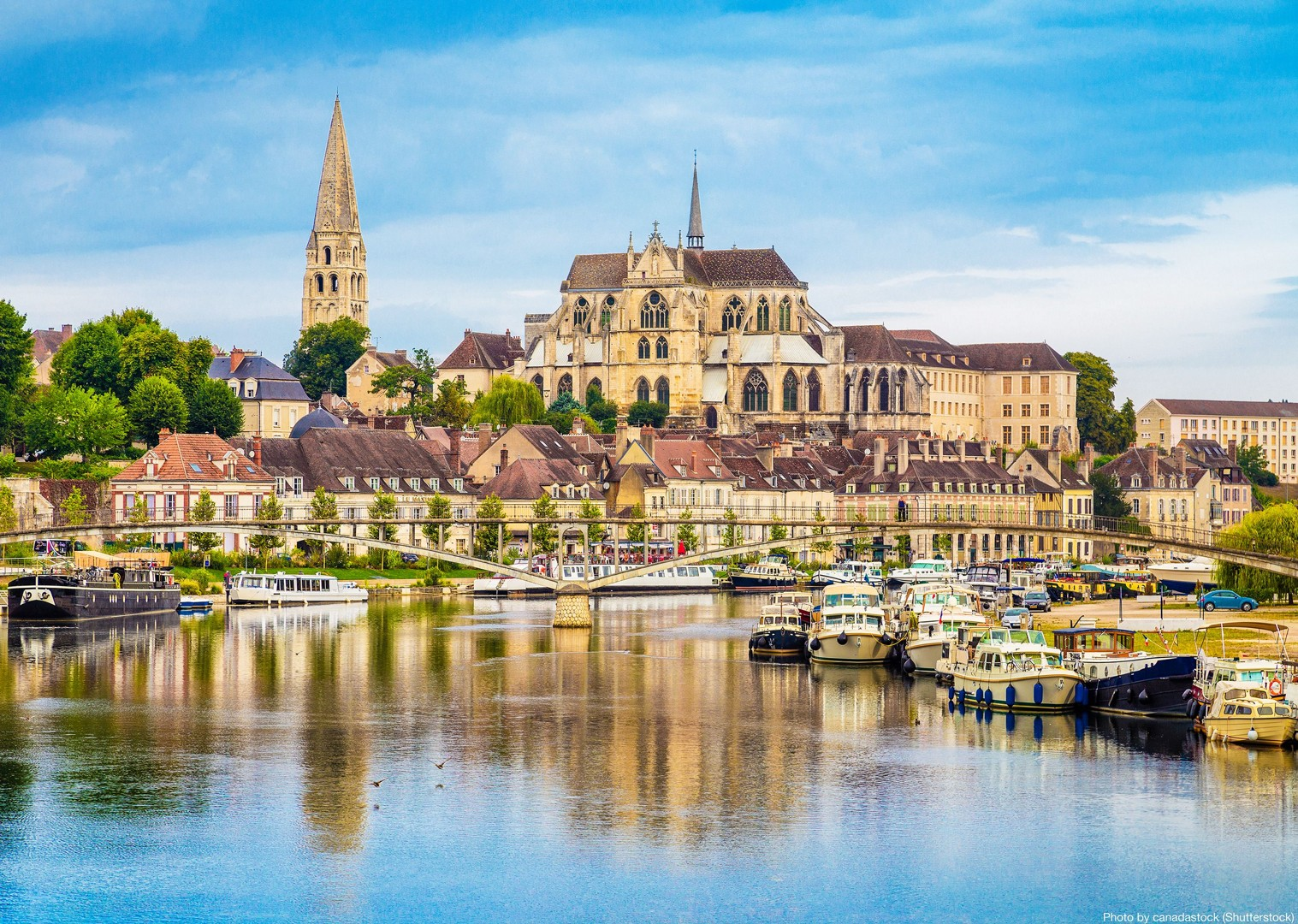 france-burgundy-caves-and-canals-self-guided-leisure-cycling-holiday.jpg - France - Burgundy - Caves and Canals - Self-Guided Leisure Cycling Holiday - Leisure Cycling