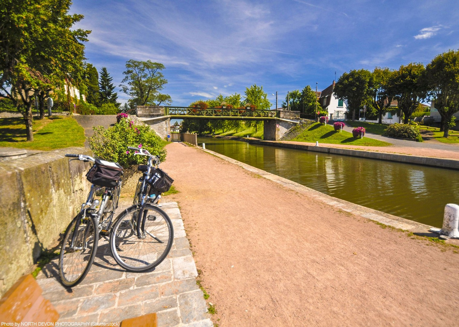 self-guided-cycling-holiday-france-burgundy-with-saddle-skedaddle.jpg - France - Burgundy - Caves and Canals - Self-Guided Leisure Cycling Holiday - Leisure Cycling