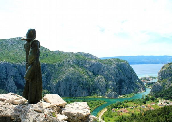 explore-cypress-gardens-of-korcula-cycling-trip.jpg - Croatia - Southern Dalmatia - Bike and Boat Holiday - Leisure Cycling