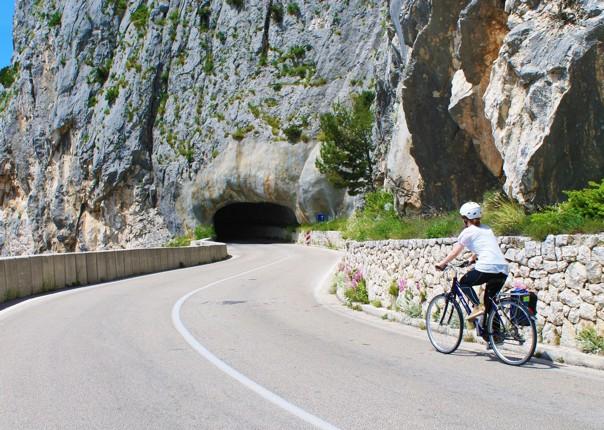 enjoy-leisurely-cycling-southern-dalmatia.jpg - Croatia - Southern Dalmatia - Bike and Boat Holiday - Leisure Cycling
