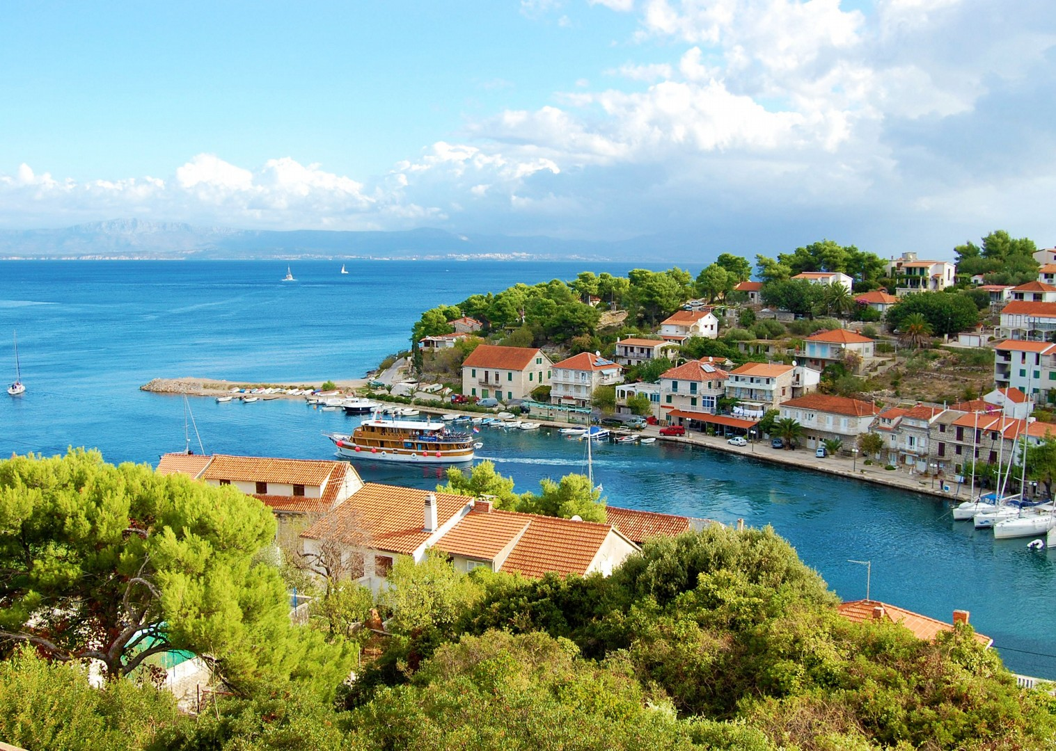 cycle-along-dalmatian-coastline.jpg - Croatia - Dalmatian National Parks and Islands - Bike and Boat Holiday - Leisure Cycling