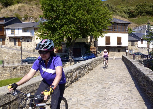 Riojanrolling15.jpg - Northern Spain - Riojan Rolling - Guided Leisure Cycling Holiday - Leisure Cycling