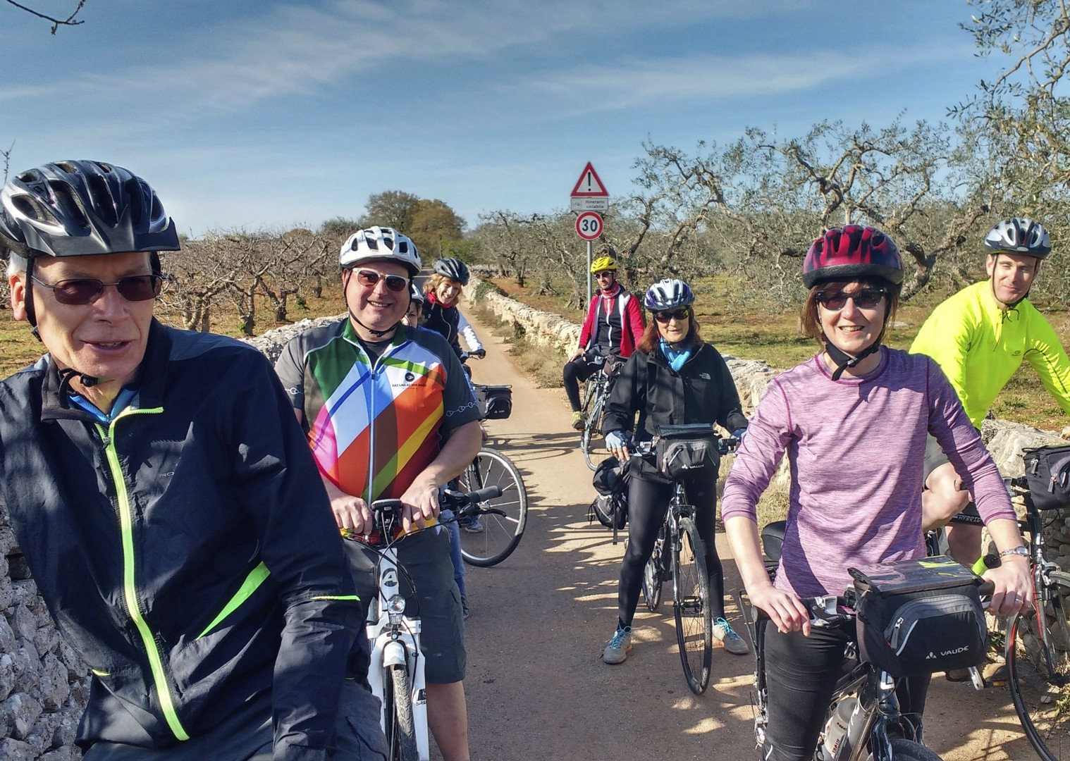 cycling-holiday-group-cyclists-puglia-italy.jpg - Italy - Puglia - Guided Leisure Cycling Holiday - Leisure Cycling
