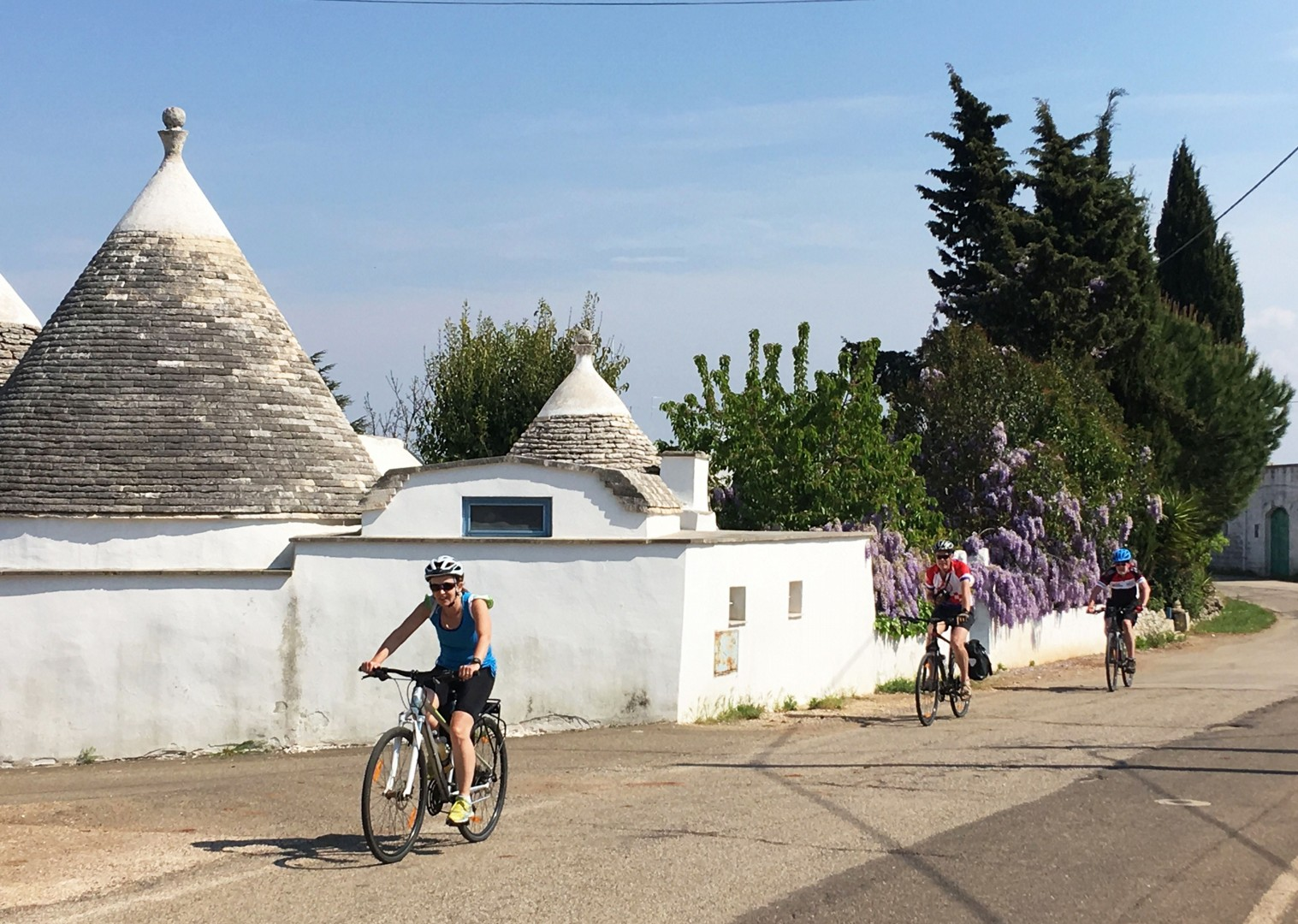 cycling-holiday-in-italy-puglia-Trulli-houses.jpg - Italy - Puglia - Guided Leisure Cycling Holiday - Leisure Cycling