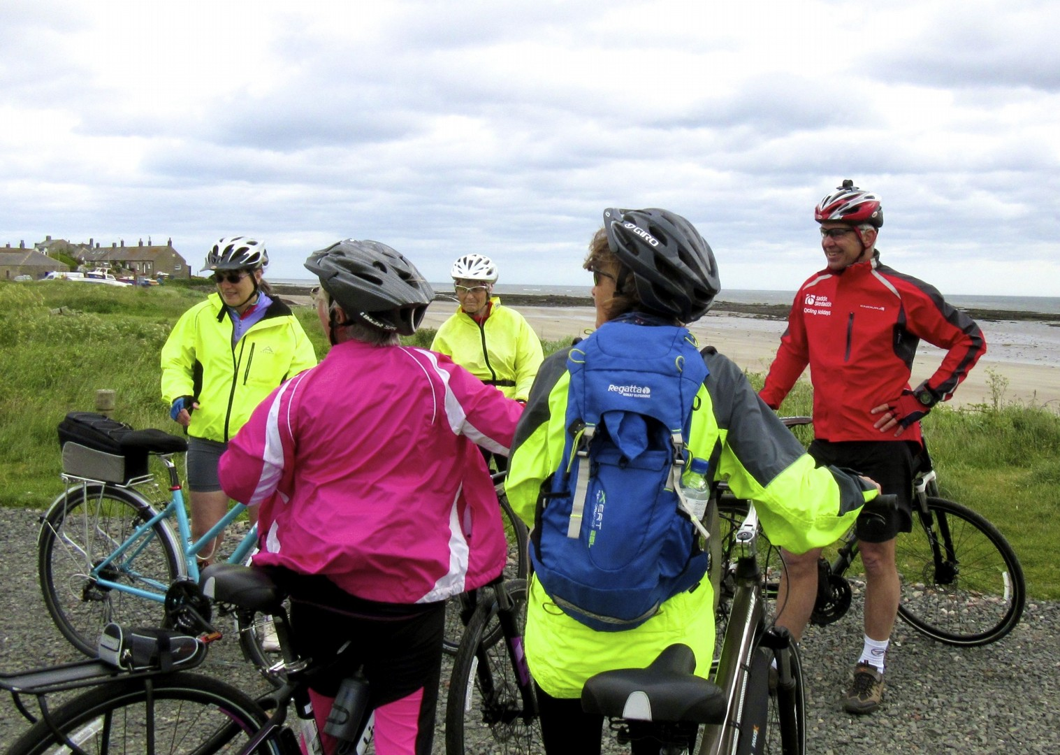 leisure-cycling-holiday-northumberland-cyclists-coast.jpg - UK - Northumberland - Alnmouth - Guided Leisure Cycling Holiday - Leisure Cycling
