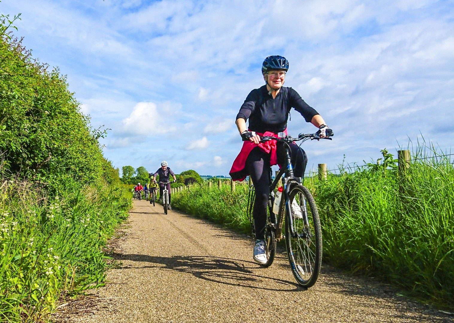 happy-cycling-for-all-ages-family-friends-north-britain-newcastle-alnmouth.jpg - UK - Northumberland - Alnmouth - Guided Leisure Cycling Holiday - Leisure Cycling