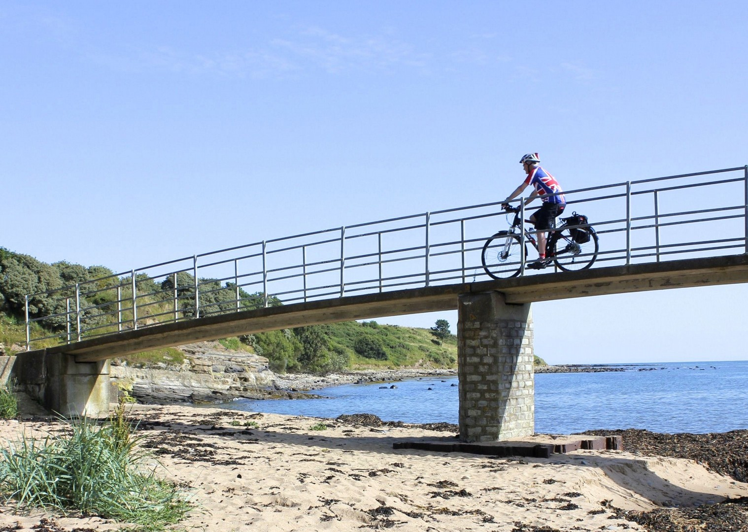 Coast&castles.jpg - UK - Northumberland - Alnmouth - Self-Guided Leisure Cycling Holiday - Leisure Cycling