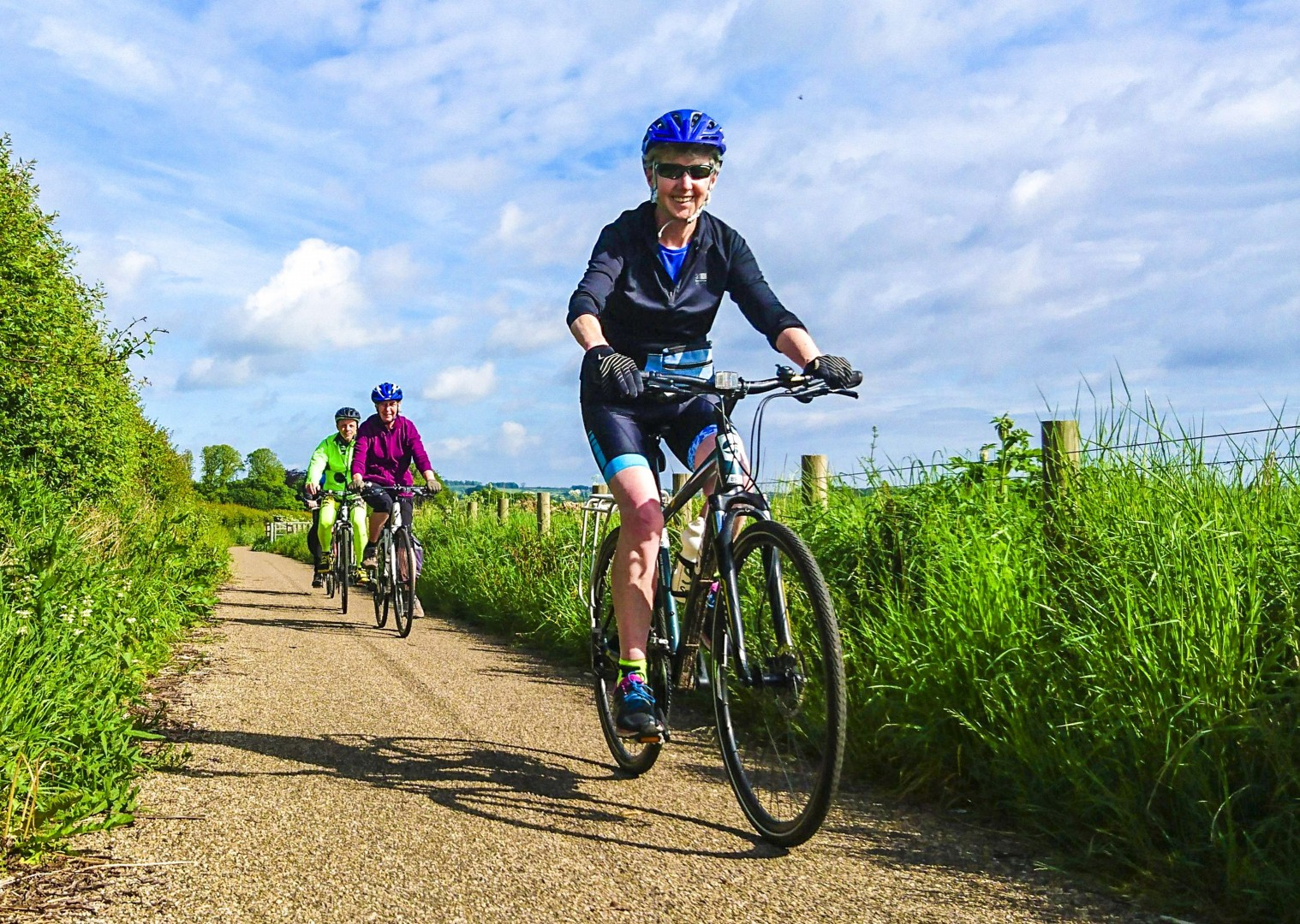 happy-cycling-for-all-ages-family-friends-north-britain-newcastle-alnmouth.jpg - UK - Northumberland - Alnmouth - Self-Guided Leisure Cycling Holiday - Leisure Cycling