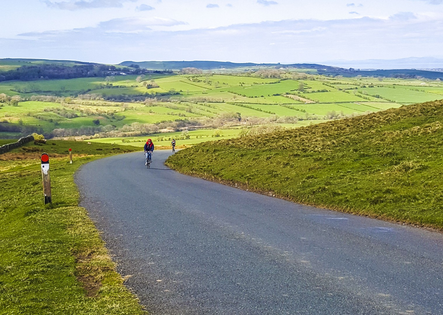 rolling-hills-british-countryside-lake-district-cycling-holiday-roads-skedaddle.jpg - UK - Lake District - Derwent Water - Guided Leisure Cycling Holiday - Leisure Cycling