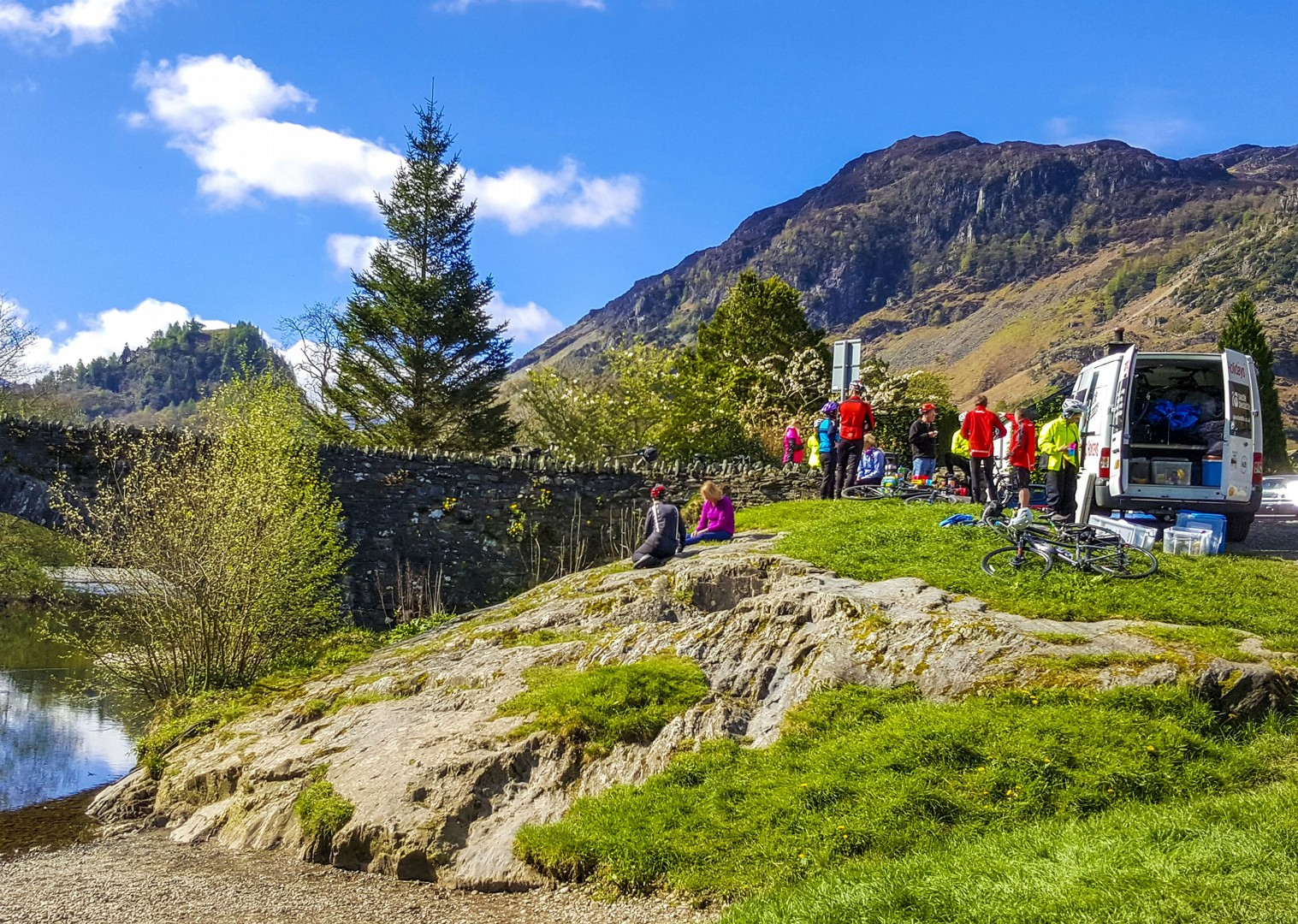 guided-cycling-tour-lake-district-derwent-lakes-group-holiday.jpg - UK - Lake District - Derwent Water - Guided Leisure Cycling Holiday - Leisure Cycling