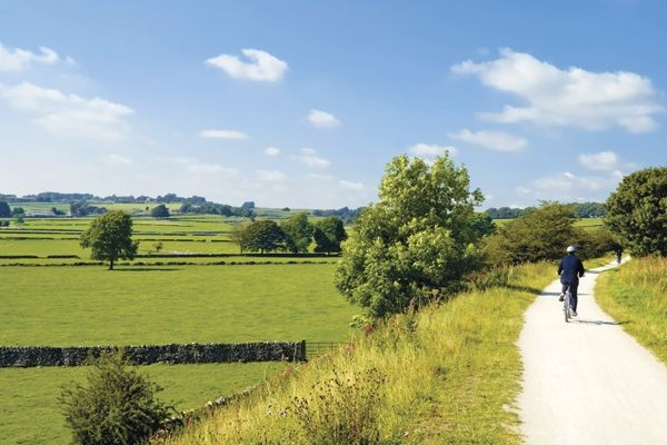 leisure-cycling-holiday-derbyshiredovedale.jpg - UK - Derbyshire Dales - Dovedale - Guided Leisure Cycling Holiday - Leisure Cycling