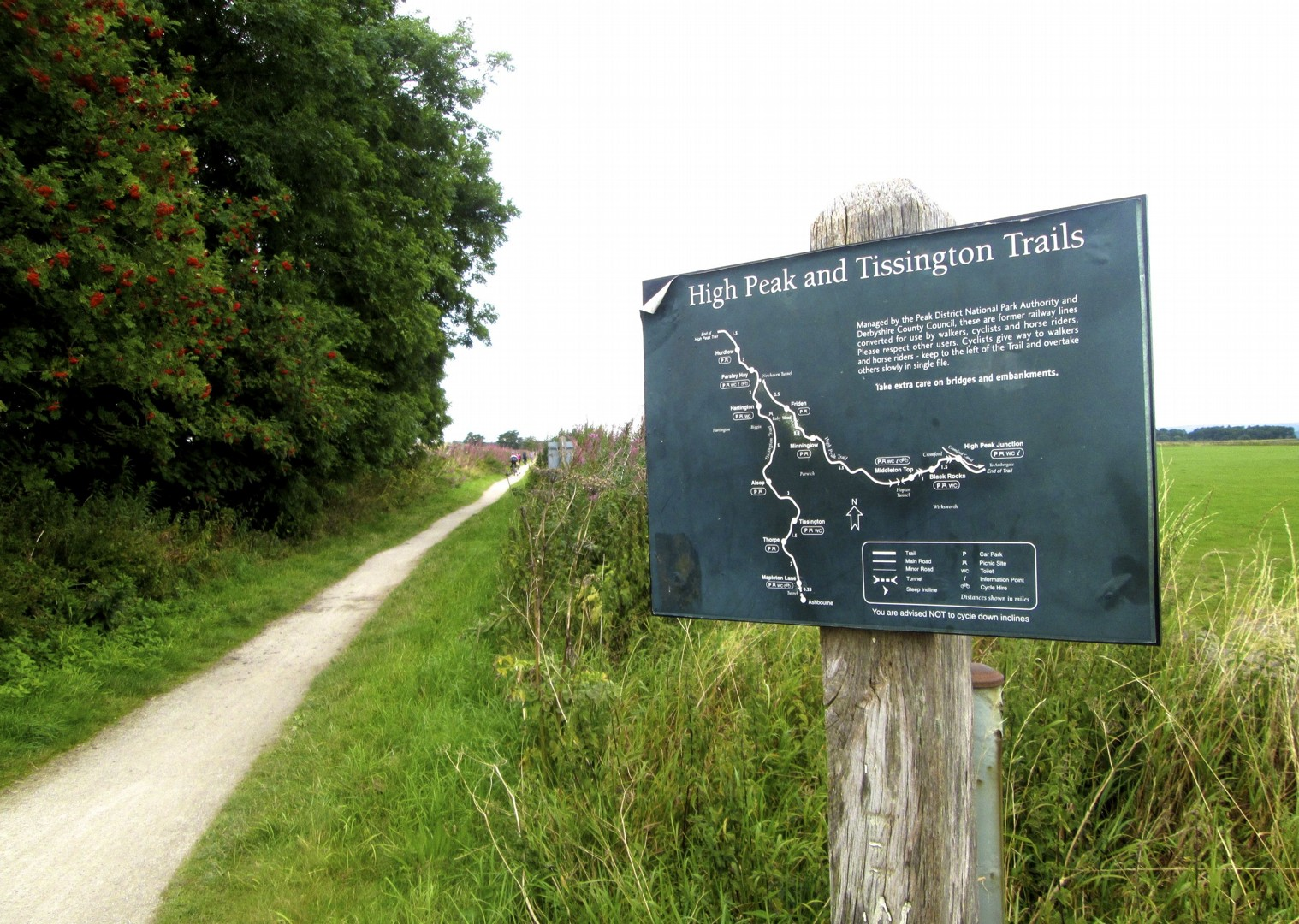 leisure-cycling-holiday-dovedale-tissingtontrail.jpg - UK - Derbyshire Dales - Dovedale - Guided Leisure Cycling Holiday - Leisure Cycling