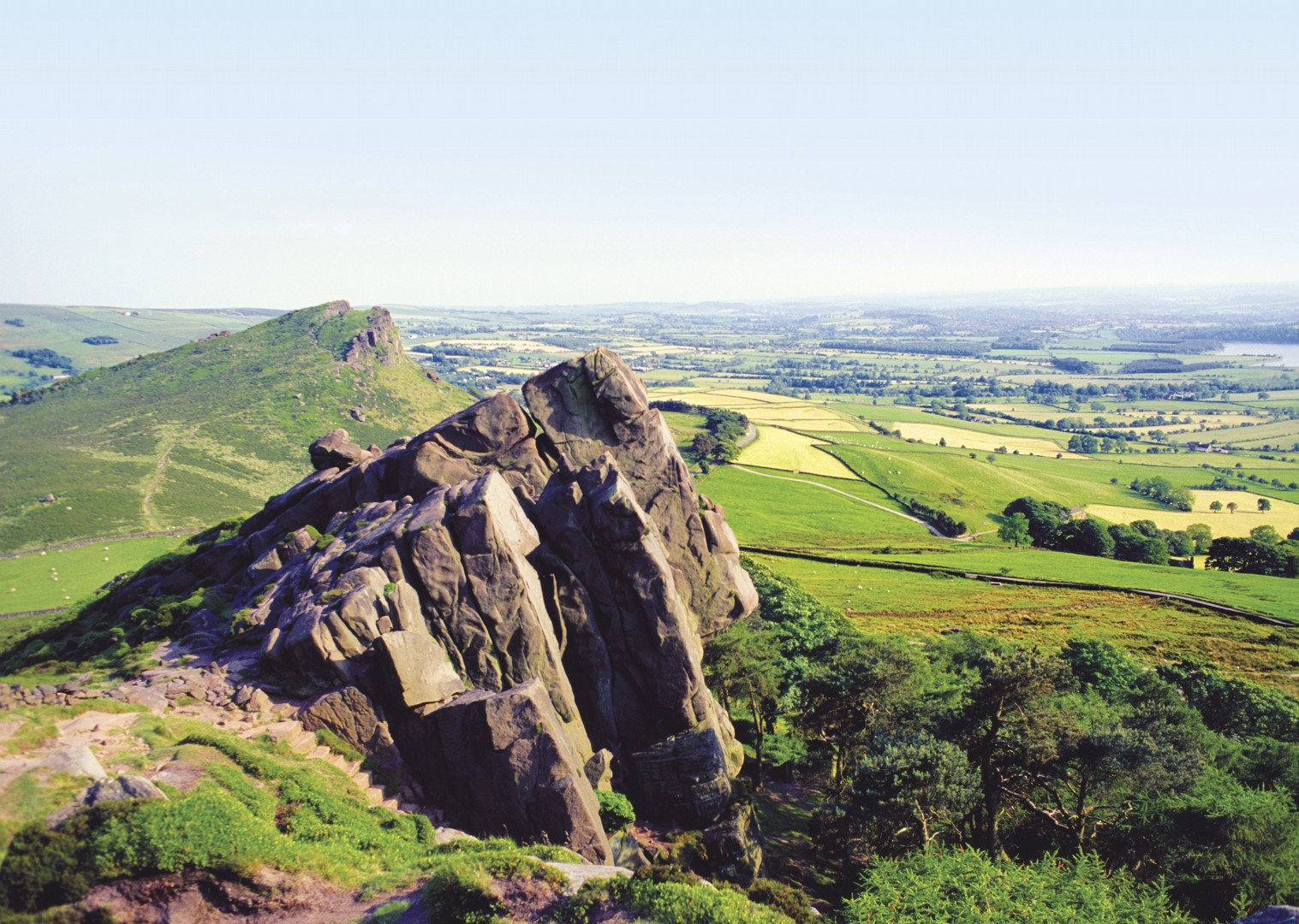 leisure-cycling-holiday-derbyshire-dovedale-nature-view.jpg - UK - Derbyshire Dales - Dovedale - Guided Leisure Cycling Holiday - Leisure Cycling