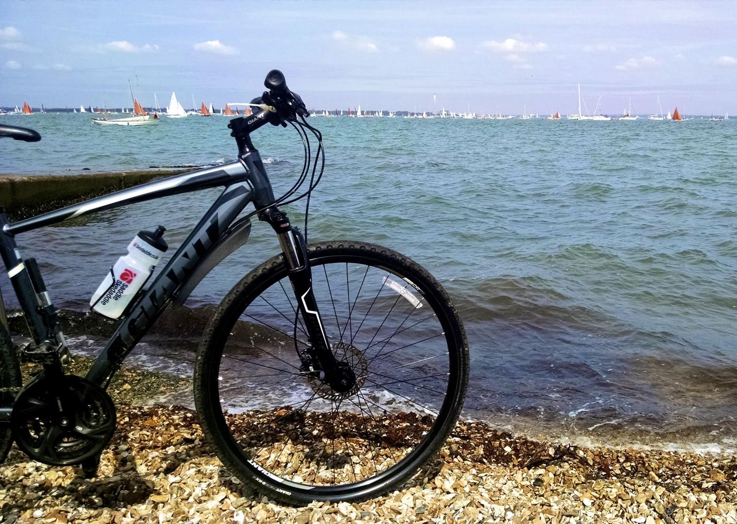 leisure-cycling-holiday-uk-isleofwight-coast.jpg - UK - Isle of Wight - Freshwater Bay - Self-Guided Leisure Cycling Holiday - Leisure Cycling