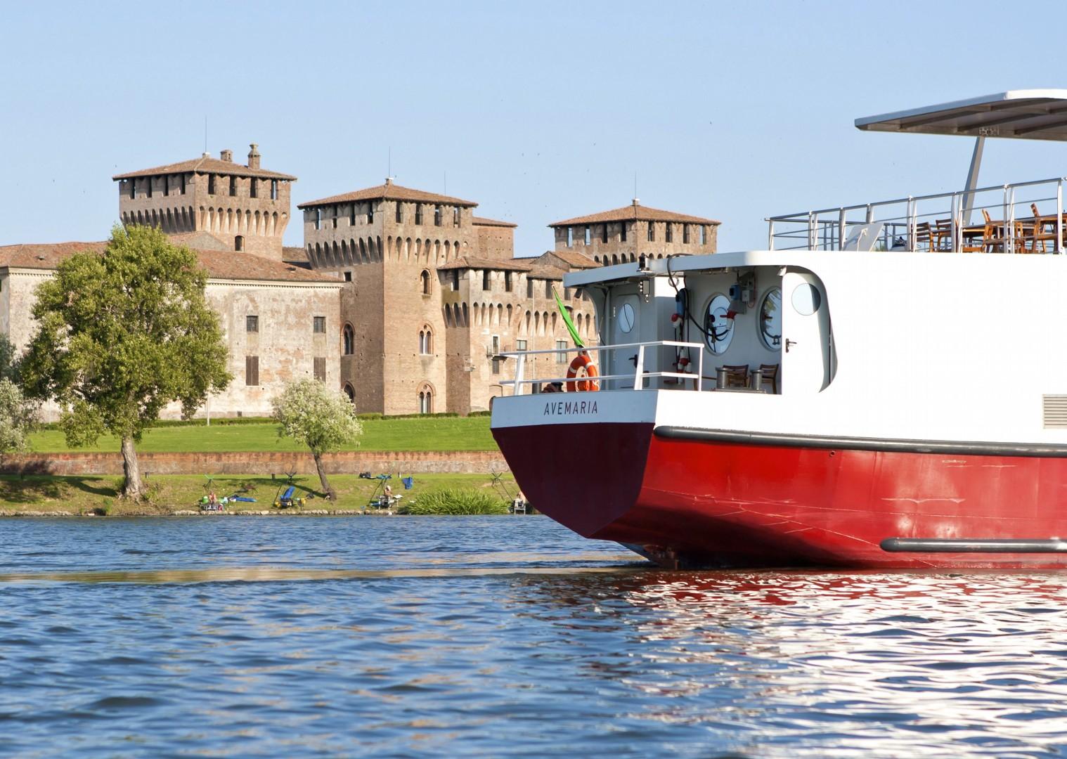 waterwaysofvenice5.jpg - Italy - Venetian Waterways (Mantova to Venice) - Bike and Barge Holiday - Leisure Cycling