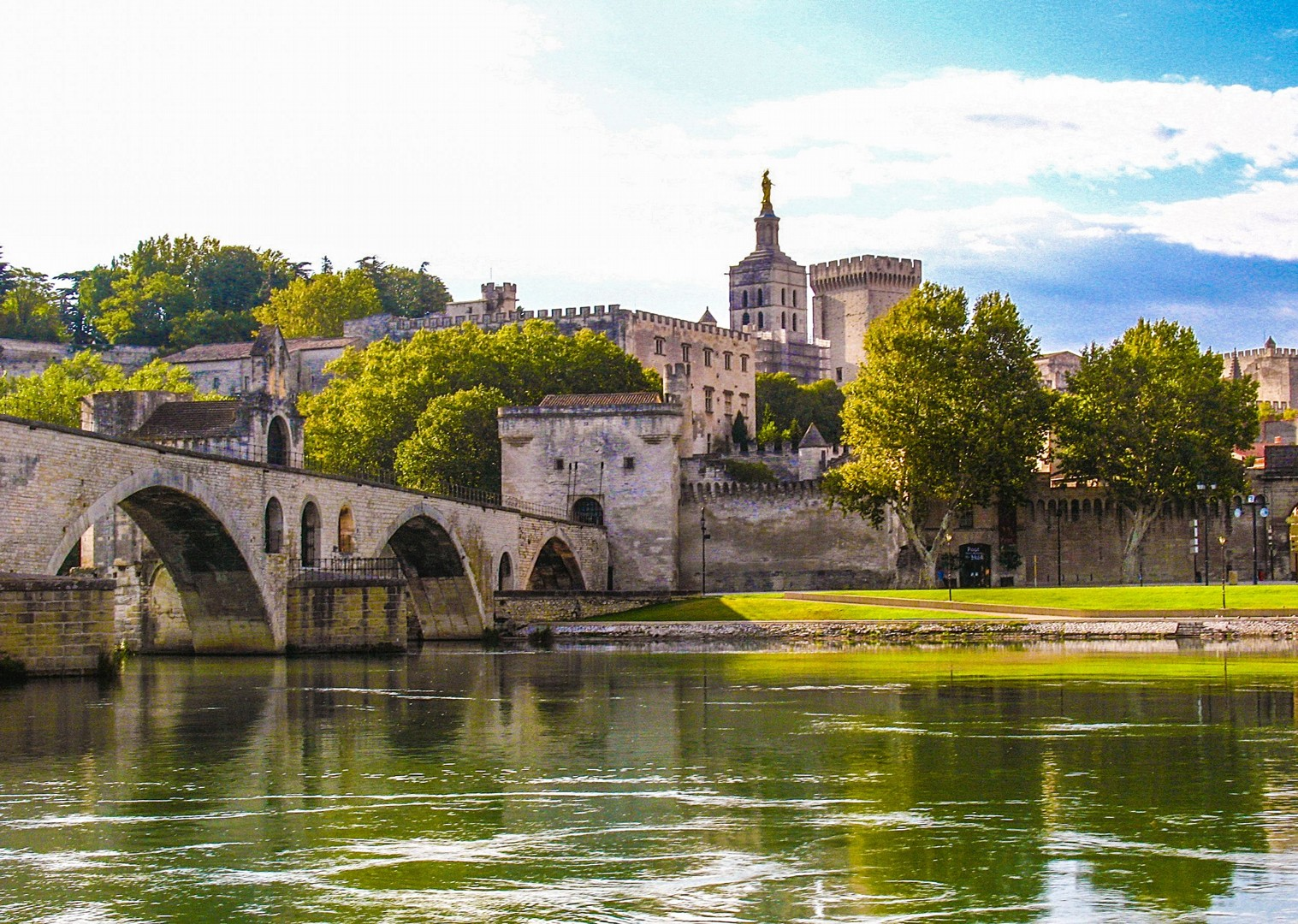 avignon-to-aigues-mortes-palais-des-papes-bike-and-boat-tour.jpg - France - Provence - Avignon to Aigues-Mortes - Bike and Barge Holiday - Leisure Cycling