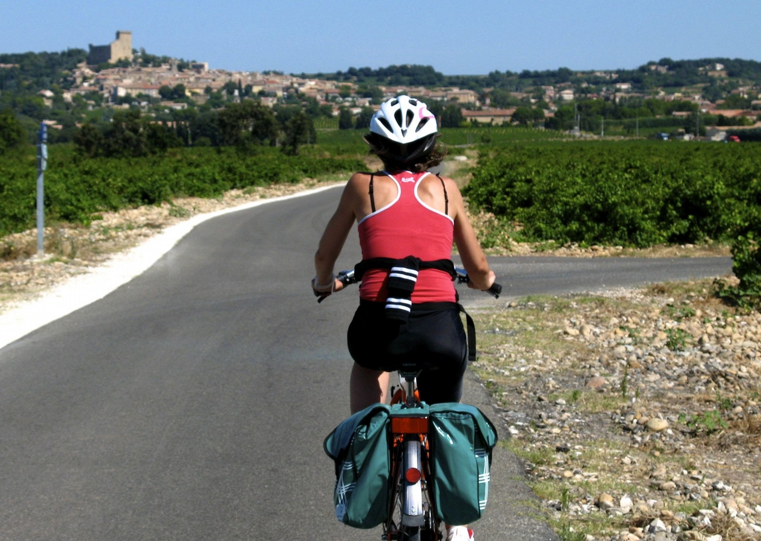 HFprovencecycling10.jpg - France - Provence - Aigues-Mortes to Avignon - Bike and Barge Holiday - Leisure Cycling