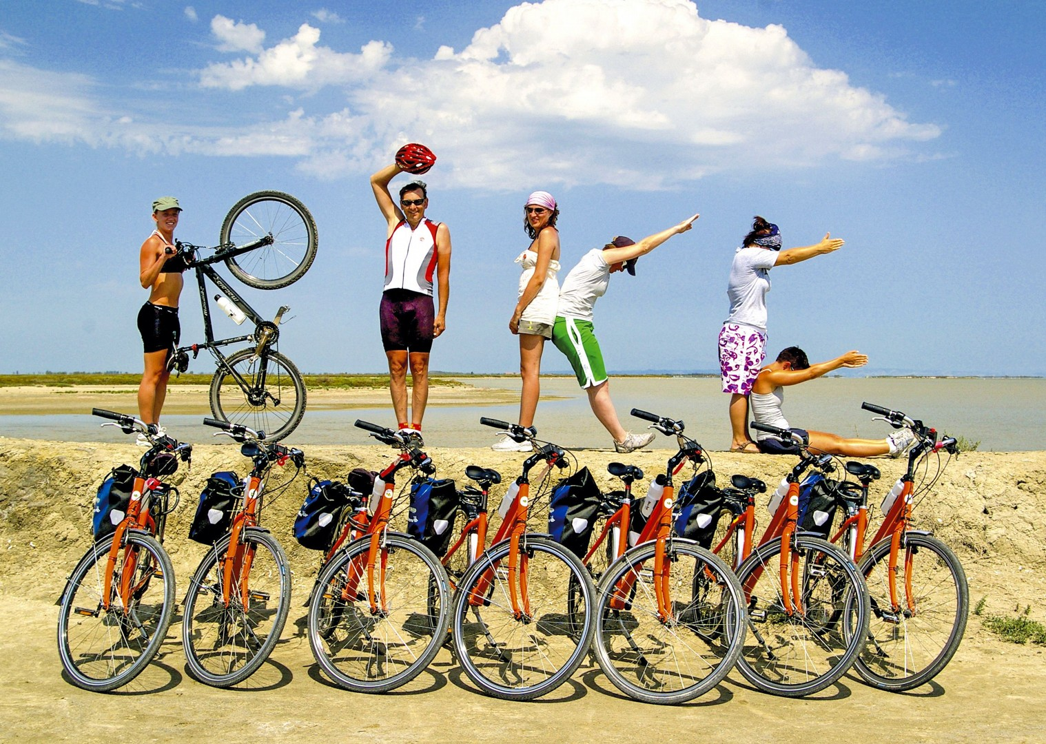 bike-high-quality-cycling-tour-bike-and-boat-france-group-tour.jpg - France - Provence - Aigues-Mortes to Avignon - Bike and Barge Holiday - Leisure Cycling