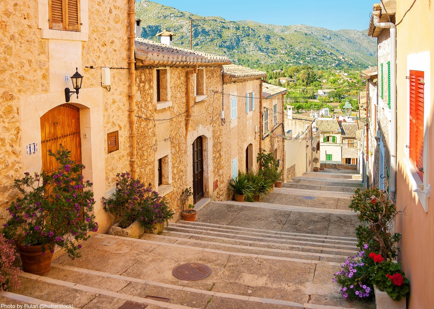 eu-centro-pollenca-mallorca-explore-local-streets-bike-tour.jpg - Spain - Mallorca - Self-Guided Leisure Cycling Holiday - Leisure Cycling