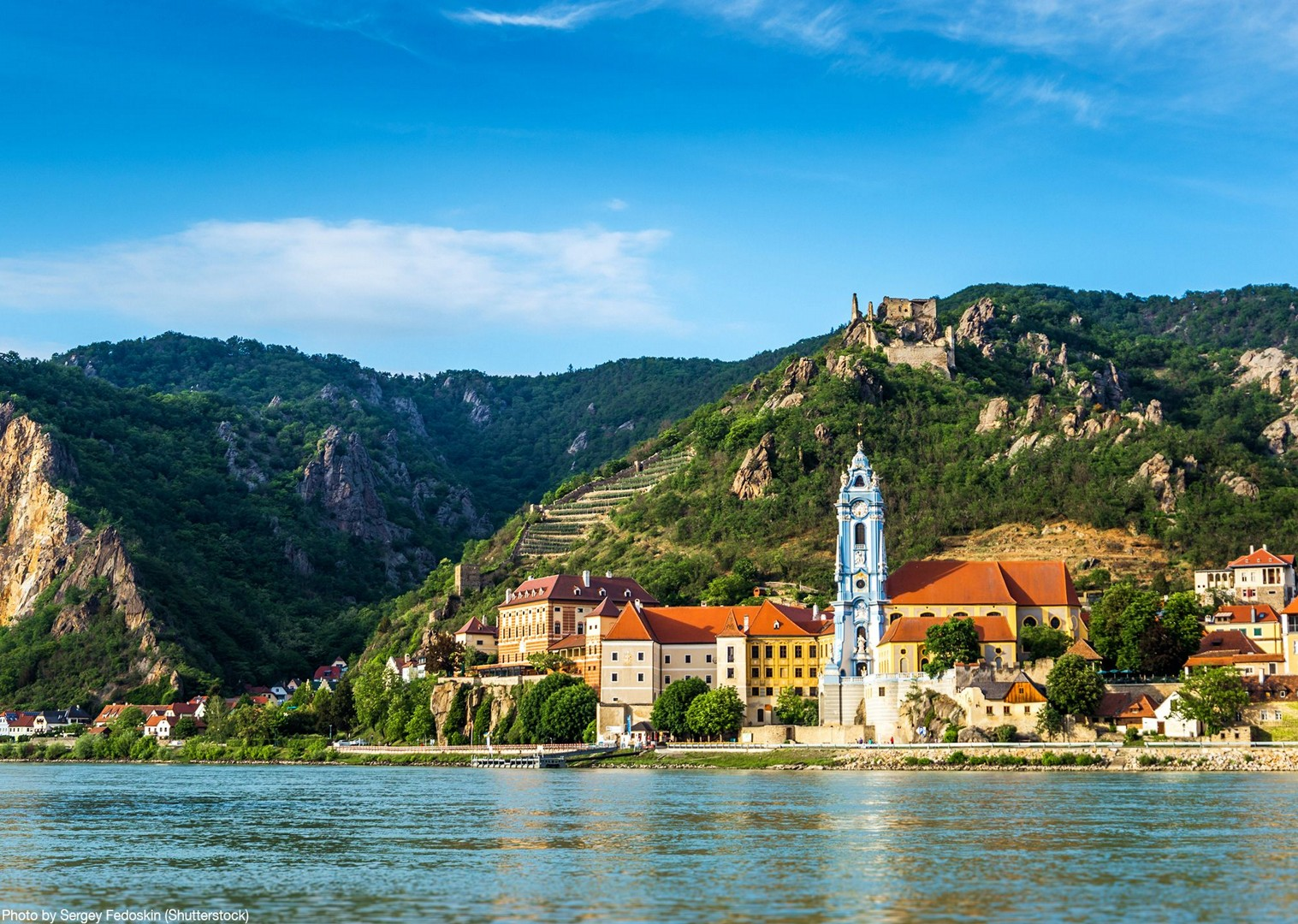 wachau-town-valley-austria-danube-cycle-trail-tour.jpg - Germany and Austria - The Danube Cycle Path - Supported Leisure Cycling Holiday - Leisure Cycling